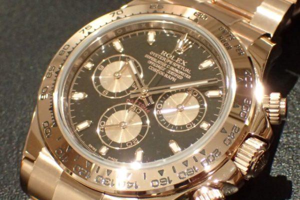エバーローズゴールド素材のデイトナ REF.116505 ブラックピンクインダイヤル