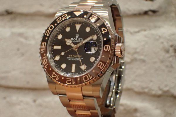 エバーローズゴールド大人の輝き GMT-MASTER II Ref.126711CHNR