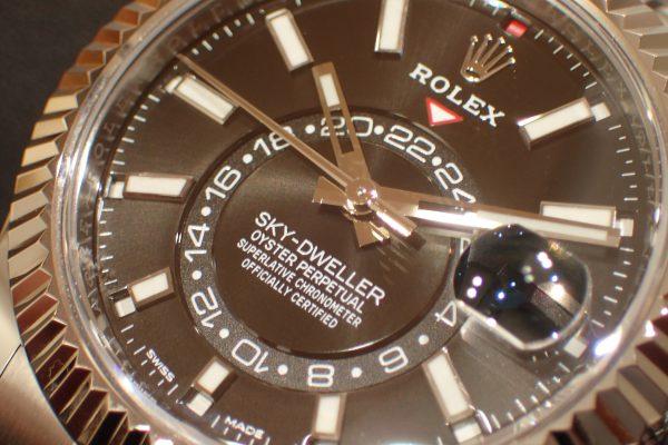 スポーツモデルとは一味違う高級感 SKY-DWELLER Ref.326934