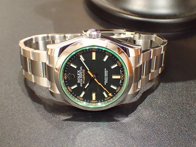 黒×緑×オレンジ 個性さが輝き Ref.116400GV ブラック